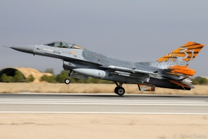 F-16AM FA-87 10 Wing 31 Sqn 20060928LEAB 01.jpg